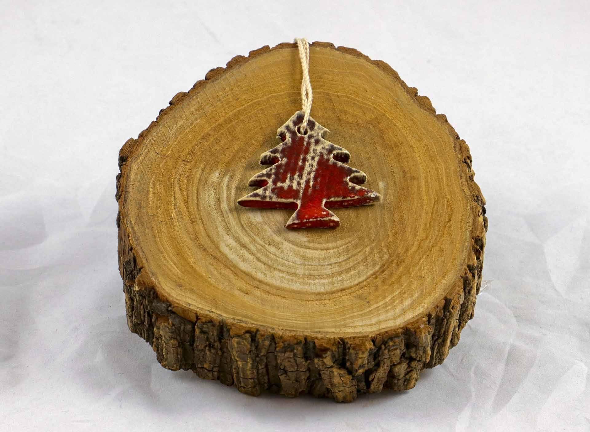 Petra Zobl Keramik - Geschenkanhänger rot Baum