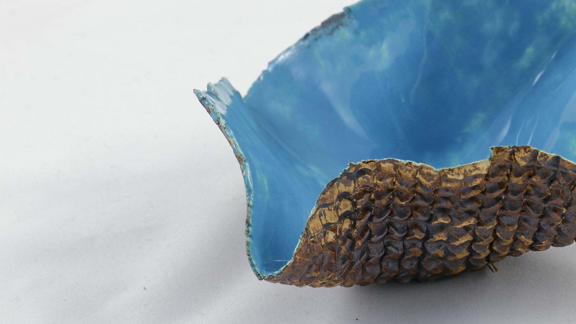 Petra Zobl Keramik - Schale aqua aussen Muster manganspinell 3